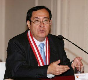 Dr_Víctor_Prado_Saldarriaga